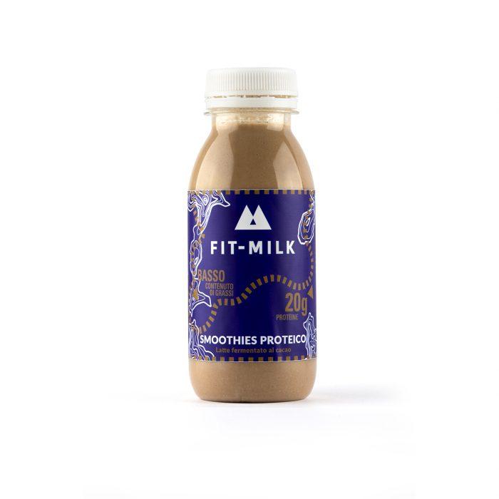 Smoothies proteico al cacao prodotto da latte da erba, latte grass fed